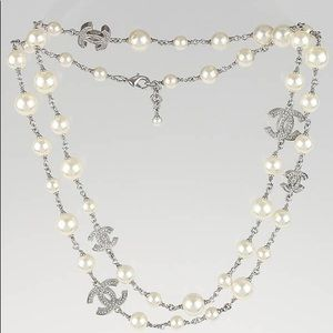 CHANEL classic CC Pearl Double Wrap Necklace
